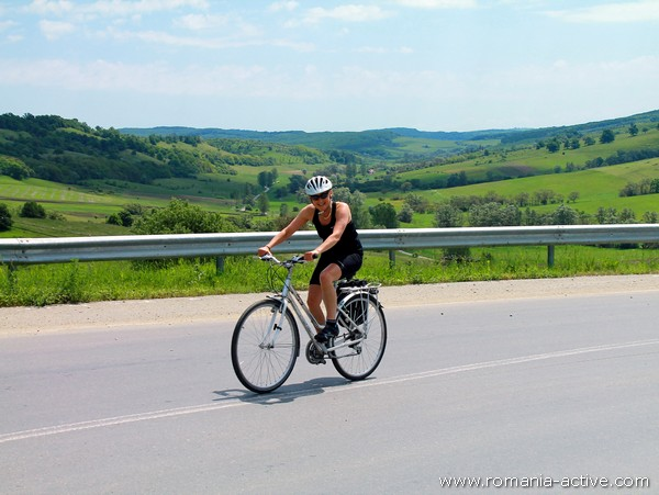 bike transylvania cyclist portrait 600